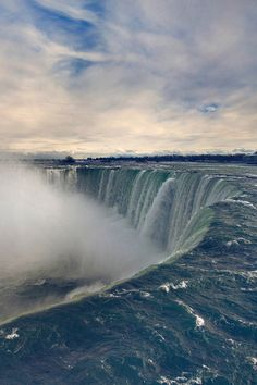 Horseshoe Falls, Louie stood right there...