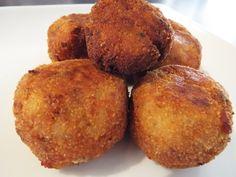 Aprende a Preparar Ricas Croquetas de Carne con VivirBonito.com Puerto Rico, Muffin, Breakfast, Food, Potato Hash, Stuffed Potatoes, Egg Wash, Bon Appetit, Morning Coffee
