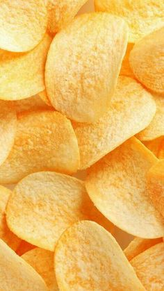crisp, yummy and delicious potato chips, do you want to eat? try our potato chips making machine, you can achieve surprise Food Backgrounds, Wallpaper Backgrounds, Iphone Wallpaper, Potato Crisps, Food Wallpaper, Wallpaper Space, Snack Recipes, Snacks, Polychromos