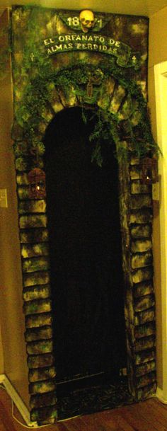 This was a nook recessed into a closet made from cardboard.  This would also make a nice door entrance. TheUndeadOfNight's 2013 $20 Prop Challenge Entry - HauntForum