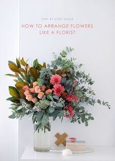 to arrange flowers: step by step with my fave local florist How to arrange a statement flower arrangement like a florist. A step-by-step guide.How to arrange a statement flower arrangement like a florist. A step-by-step guide. Beautiful Flower Arrangements, Fresh Flowers, Beautiful Flowers, Diy Flower Arrangements, Diy Flowers, Exotic Flowers, Purple Flowers, Fall Flowers, Fake Flower Centerpieces