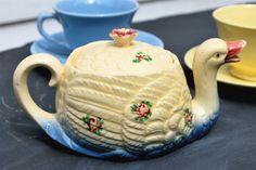 Marutomoware Swan Teapot Circa 1930