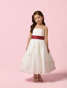 This is the dress I would want my flower girl to wear.