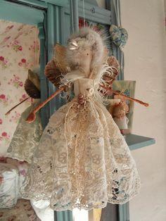 Niki Fretwell: North Cadbury Vintage Textile Fair Tiny Dolls, Soft Dolls, Cute Dolls, Fairy Crafts, Angel Crafts, Christmas Fairy, Christmas Angels, Fairy Clothes, Doll Clothes