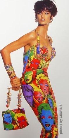 CESPINS❤GIANNI VERSACE - Linda Evangelista in a vintage GV dress
