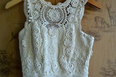 Vintage White Lace Evening Gown / Sleeveless Wedding Dress