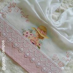 Sarah Kay, Needlework, Kitty, Instagram, 1, Kids Coloring, Fabric Flower Brooch, Napkins, Needlepoint