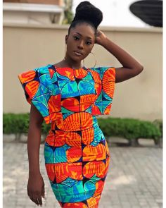 Linda Osifo is pretty much a stunner when it comes to fashion especially in African print dress styles. I have compiled african print styles that have been worn Short African Dresses, Latest African Fashion Dresses, African Print Dresses, African Print Fashion, Africa Fashion, African Prints, Moda Afro, Style Africain, African Traditional Dresses