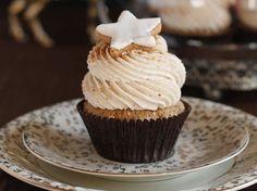 DIY-Anleitung: Haselnuss-Cupcakes mit Zimt backen via DaWanda.com