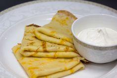 Блины с сырным припеком - пошаговый рецепт с фото: Натереть твердый сыр на крупной терке и аккуратно ввести в тесто – вот и вся премудрость. - Леди Mail.Ru
