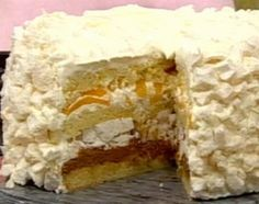 inside view (this is actually more like a birthday cake)postre chaja Sweet Recipes, Cake Recipes, Dessert Recipes, Argentine Recipes, Sweet Bread, Cakes And More, No Bake Desserts, Let Them Eat Cake, Cupcake Cakes