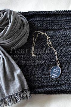 Pieni Lintu: DIY knitted bolero Anna Sui, Wallet, Chain, Diy, Fashion, Moda, Bricolage, Fashion Styles, Necklaces