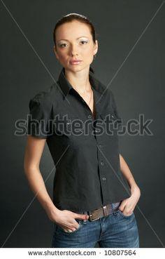 Mujeres De Jeans Y Cinturones Fotos, imágenes y retratos en stock | Shutterstock