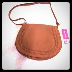 NWT Rampage Saddle Bag NWT! Super cute and perfect for everyday wear! Rampage Bags Crossbody Bags