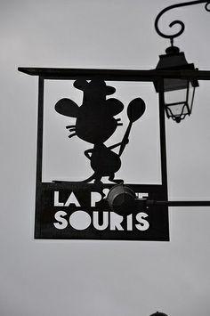 *Enseigne, La P'tite Souris, Vannes, France*