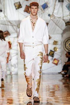 Versace-Men-Spring-Summer-2015-Milan-Fashion-Week-016