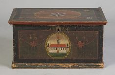 Painted Diminutive Blanket Box - by Cottone Auctions Painted Chest, Painted Boxes, Painted Armoire, Hand Painted, Blanket Box, Blanket Chest, Art Antique, Antique Boxes, Decorative Trunks