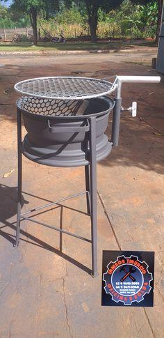 Welding Art Projects, Diy Welding, Fire Pit Grill, Diy Fire Pit, Barbecue Pit, Bbq Grill, Welded Furniture, Outdoor Kitchen Patio, Scrap Metal Art