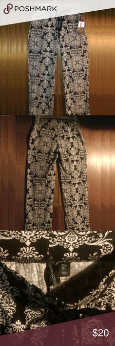 NEW! Cynthia Rowley Black & White Lounge Pants - S These are a great pair of brand new with tags lounge pants by Cynthia Rowley from her sleepwear collection.  I have these in my size and have worn them to work with a nice dressy top and shoes and received so many compliments!    The pattern is in black and pure white. The waist is an elastic stretch and also ties at the front. The cotton blend material is soft and super comfortable! 60% Cotton, 40% Modal.   These will be packaged with care…