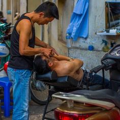 The Vietnamese barber / The week of Ha Long Bay (Vietnam). The barber put a chair and a mirror right on the street but his clients seem to be okay with it. #barber #Vietnamese #Vietnamesebarber #HaLong #HaLongBay#Vietnam #Vietnamtrip #Vietnamphotos #HaLongphotos #Vietnamlife #photos #Vietnamtravel #Asia#Travel #Holidays #Trip #Traveling #Travelling #Traveler #Travelphotography #Instatravel #Instatraveling #Traveller #Traveltheworld #Travelblog #Travelpics #Travelphoto #TravelLife  Alexey…