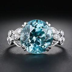 Blue diamond ring. 35 gorgeous diamonds. Style Estate.