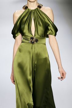 Green satin dress - inspiration for fabric choice and design ideas Green Fashion, High Fashion, Womens Fashion, Vert Olive, Olive Green, Desi Wedding, Green Satin, Bronze, Couture Dresses