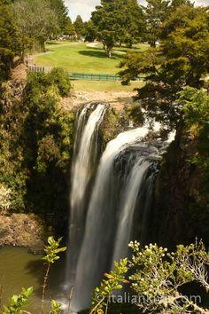 Whangarei Falls, New Zealand. Writing prompt idea for kiwi kids. ♥ Imagination New Zealand Banff National Park, National Parks, New Zealand Holidays, Kiwiana, Thinking Day, New Zealand Travel, Australia Travel, Beautiful Places, Beautiful Pictures