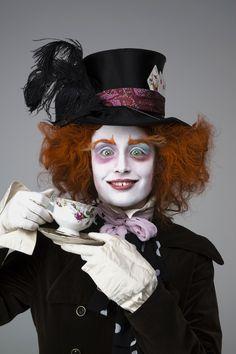 Alice in Wonderland, Tim Burton Halloween 2013, Halloween Projects, Scary Halloween, Halloween Makeup, Chic Halloween, Halloween Party, Tim Burton Costumes, Mad Hatter Costumes, Mad Hatter Makeup