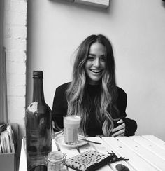 Read Cartia Mallan from the story Chicas para tus Historias by hugsvibes (— d. Hair Inspo, Hair Inspiration, New Hair, Your Hair, Inka Williams, Ft Tumblr, Photoshoot Vintage, Balayage Hair, Bronde Hair