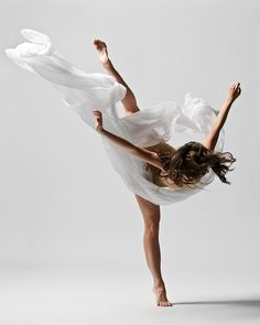 Christopher Peddecord dance photography!! love the movement of the fabric!