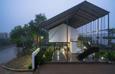 Gallery of VIET My Office / TNT architects - 1