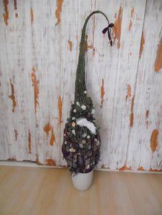 DIY grinch tree, christmas decor #diy #handmade #grinch #tree #elf #christmas #xmas #decor #decoration #angel #wings #natur #natural #entré #entryway #deko #noel #advent