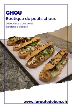 Chou Genève est un salon de thé situé à Genève proposant un assortiment de chou sucré et salé. #chou #geneve #suisse La Petite Boutique, Saveur, Ethnic Recipes, Food, Savoy Cabbage, Hot Teas, Fine Dining, Greedy People, Living Room