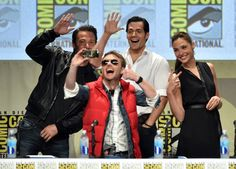 Ben Affleck, Henry Cavill, Chris Hardwick and Gal Gadot at event of Batman v Superman: Dawn of Justice (2016)