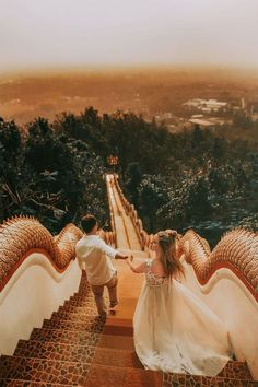 Junebug Weddings has released the winners of its destination wedding photography contest, featuring work by today's best wedding photographers. Wedding Advice, Wedding Pics, Couple Photography, Wedding Photography, Photography Photos, Romantic Couple Images, Concours Photo, Destination Voyage, Destination Weddings