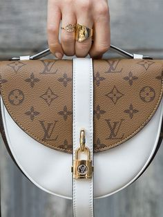 2019 New Louis Vuitton Handbags Collection for Women Fashion Bags have it Gucci Handbags, Luxury Handbags, Fashion Handbags, Fashion Bags, Fossil Handbags, Gucci Purses, Womens Fashion, Fashion Trends, Pochette Louis Vuitton