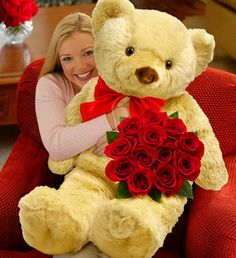 I want a HUGE teddy bear just like this(: