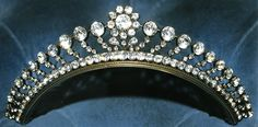 Georgian Jewelry. Pieces of jewellery that could be worn in the hair, tiaras…
