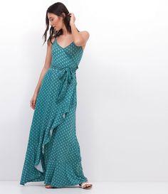 Vestido feminino  Modelo Longo  Frente transpassada  Com babado  Sem mangas  Estampado