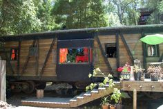 Io9 // We Want to Move into These Buildings Made Out of Old Train Cars