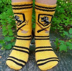 Ravelry: Hufflepuff Socks pattern by Jutta Mariia Crochet Socks, Knitting Socks, Knit Socks, Hufflepuff Pride, Patterned Socks, C2c, Christmas Wishes, Hogwarts, Ravelry