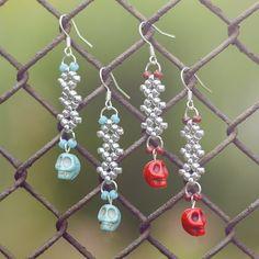 Červené lebečky - Náušnice Christmas Bulbs, Drop Earrings, Beads, Holiday Decor, Jewelry, Home Decor, Beading, Homemade Home Decor, Jewlery