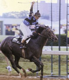 1979: Spectacular Bid: Spectacular Bid won the Kentucky Derby in 1979 with a time of 2:02:40.