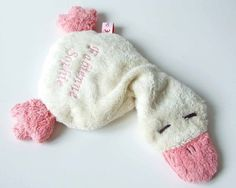 Sewing Toys, Fabric Dolls, Doll Toys, Couture, Knitted Hats, Projects To Try, Winter Hats, Plush, Beanie