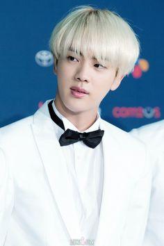 Jin ❤ #BTS #방탄소년단 @ KCONLA.