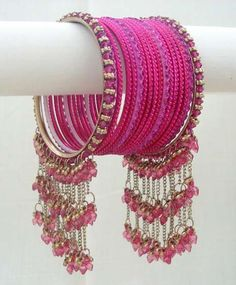 Bangles Jewelry Collection of all type beautiful bangles for fashion Indian Jewelry Earrings, Jewelry Design Earrings, Indian Wedding Jewelry, Hand Jewelry, Indian Bangles, India Jewelry, Gold Jewellery, Jewelry Sets, Bridal Bangles