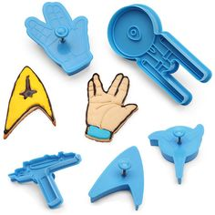 Live well and prosper with these awesome Star Trek cookie cutters. Now you too can rock the epic Star Trek icons with these cutters. Cookies Star, Star Trek Party, For Elise, Geek Decor, Cookie Cutter Set, 3d Prints, Geek Out, Cookies Et Biscuits, Cool Gadgets