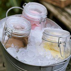 Revista Casa e Comida (@casaecomida)   Para manter os sorvetes congelados por mais tempo em uma reunião, basta usar um daqueles baldes de gelo. A divisão em porções individuais nesse tipo de recipiente também **** maravilhosa! #amocaseirices #sorverte #receberbem #baldedegelo   Intagme - The Best Instagram Widget