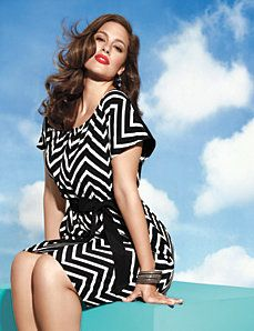 Ashley Graham models plus chevron- striped dress for Lane Bryant Trendy Plus Size Clothing, Plus Size Dresses, Plus Size Outfits, Plus Size Fashion, Xl Mode, Mode Plus, Looks Plus Size, Plus Size Model, Chevron Dress