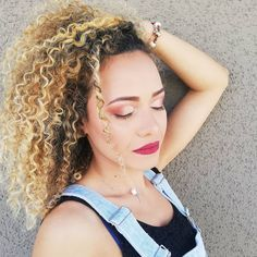 Maquillaje para la bella @ailinf23... #Nails #NailArt #NailPolish #GelNails #GelPolish #Acrylics #Manicure #Pedicure #ManiPedi #InstaNails #NailArtist #NailAddict #NailCare #NailPorn #NailsOfInstagram #NailsOnPoint #Polish #Nailstagram #NailDesigns #NailFashion #NailedIt #NailsOfTheDay #NailBlogger #NailIdeas #DIYNails #NailsNailsNails